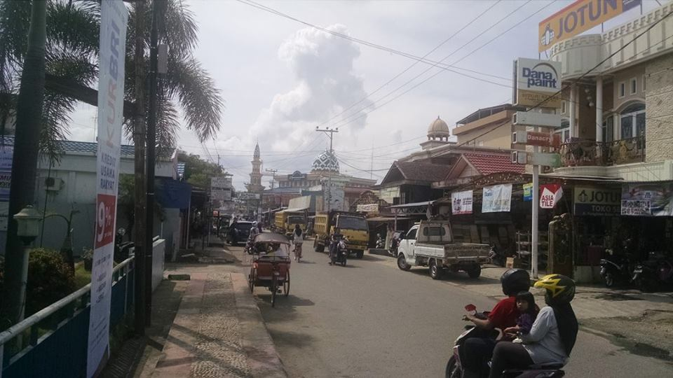 A mosque on mainstreet in Kandangan
