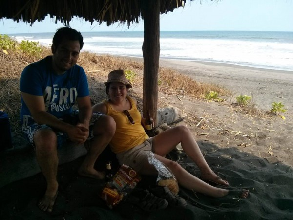 Rodrigo and Natalia along the beach in